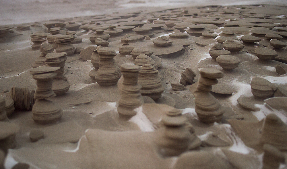 3.Resembling Chess Pieces Carved by Nature