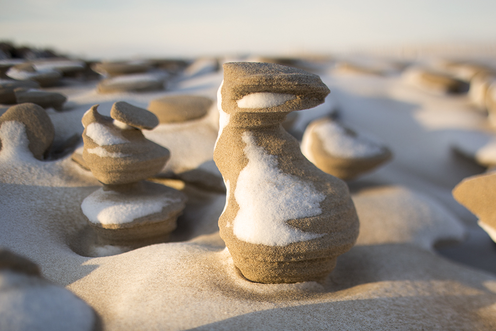 6.Nature Shows Off with Incredible Frozen Sand Formations